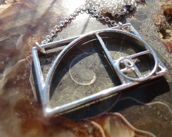 "necklace ""the golden ratio"", silver color"