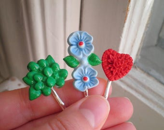 Barrette coeur floral Set - Cabochon Vintage Fleur Barrettes - fleur rétro à la main coeur Rose rouge accessoire de cheveux / Hair Pin cadeau pour elle