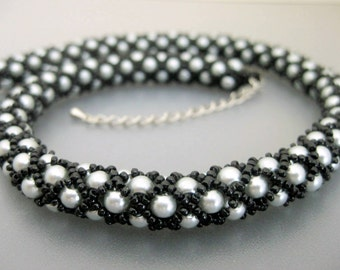 Neck Scar Cover Necklace / Tubular Netting Necklace  / Thyroid Cancer /  Beaded Necklace in Black and Gray / Seed Bead Necklace / Beadwork