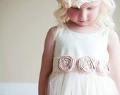 La robe de fille de fleur de Victoria