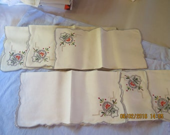 Vintage? Set of 6 Napkins, White with Stitched Floral 11 x 11