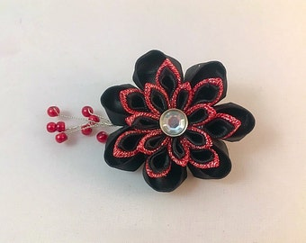 Black and red Kanzashi hair clip with red beaded spray.