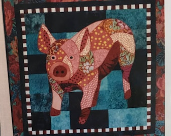 "Quilt pattern ""Miss Peggy"" the pig - finished size 32.5"" x 32.5"""
