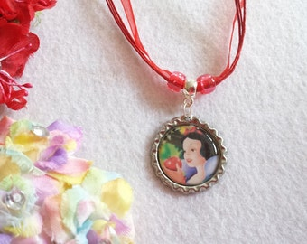 10 Snow White Party Favors