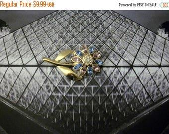 ON SALE Retro Gold Tone Sparkling Rhinestones Floral Metal Pin 52016