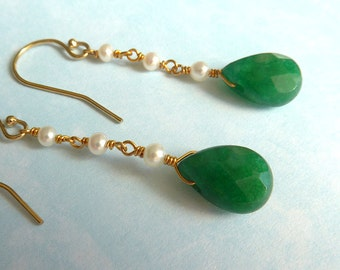 Jade Earrings, Jade and Pearl Earrings, Jade Gold Earrings, Jade Dangle Earrings, Jade Chain Earring, Jade Pearl and Gold Earring, Jade
