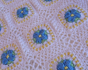Handmade crochet baby blanket - soft and cuddly flowers granny squares - Ready to ship