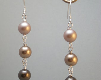 Tre Pearl Earrings- almond to brown