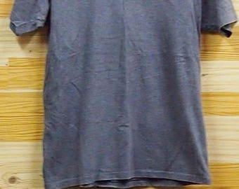 SALE Guccii Plain M size Vneck shirt
