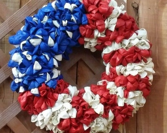Large 18 in 4th of July Independence Day Flag Patriotic Wreath with 700+ Balloons