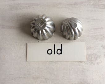2 Old Metal Molds, Jello & Seashell