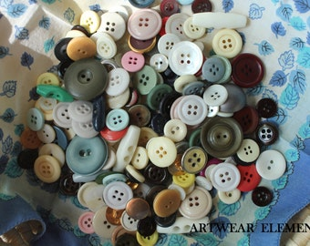 Vintage Mixed Buttons, Variety Lot, Sewing, Craft, Findings, Novelty, Scrap Booking, Gems, Many Sizes, Multi Colored, 5 Ounces #BE