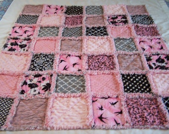 Pink and Black and Gray Small Rag Quilt - Small Rag Quilt - Pink Rag Quilt - Small Quilt - rag quilt - Lap Rag Quilt - Rag Throw