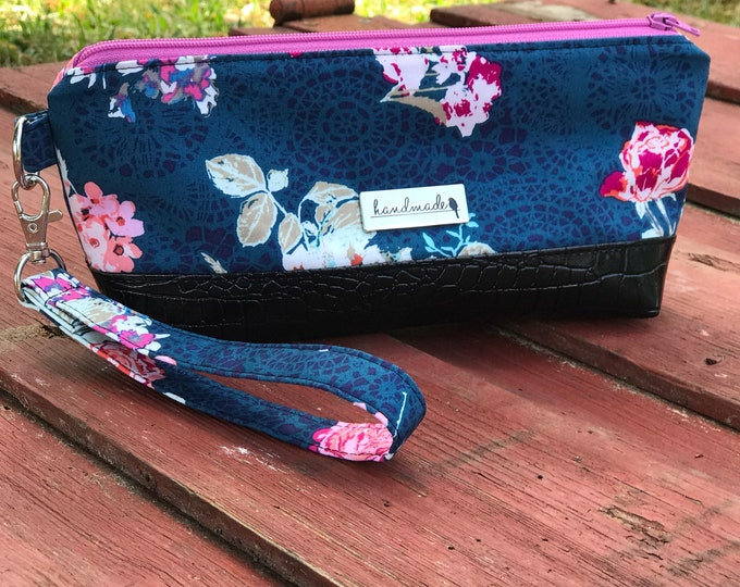 The Brooke Clutch Wristlet ~ Blue with Pink Flowers (2)
