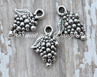 10 Pewter Grape Bunch charms (CM202)