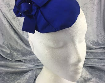 Blue hat, blue fascinator, blue headpiece, blue silk hat, blue silk headpiece, blue silk small hat