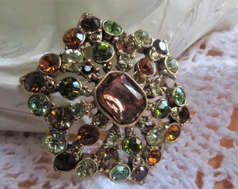 Vintage Liz Clairborne brooch in beautiful condition and signed