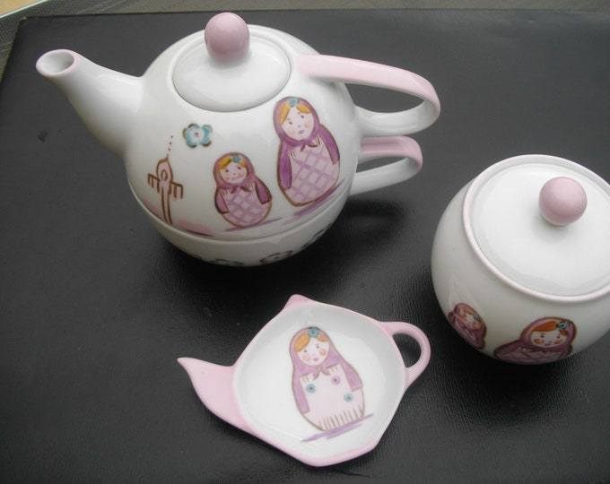 /repose sachet tea Teapot / sugar / /porcelaine hand-painted / Russian dolls