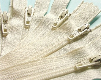 Zippers- 16 Inch Closed Bottom Zippers- Color 121 Vanilla- 50 Pieces