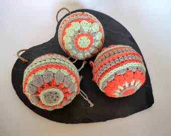 Hand-made set of three crochet baubles decorative ornaments - Coral