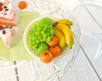 Fruit on a plate. Fruit for Dolls and Dollhouse. Miniature Food. Dollhouse. Polymer clay. Miniature. For Blythe, Barbie, Lati