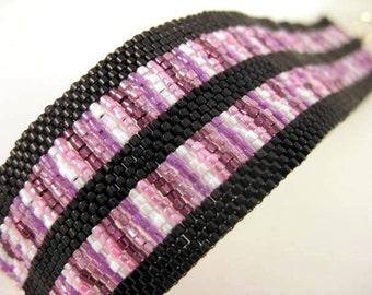 Peyote Bracelet  / Beaded Bracelet / Seed Bead Bracelet in Black, White, Pink and Lilac / Geometric Bracelet / Beadwork Bracelet
