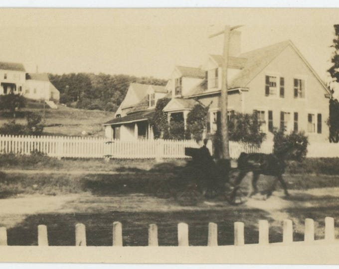 Vintage Snapshot Photo: Passing Traffic, Early 1900s (711618)