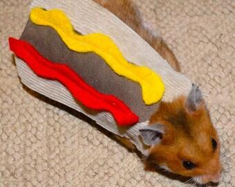 Hamster hotdog. Pet Halloween costumes by la Marmota Café.