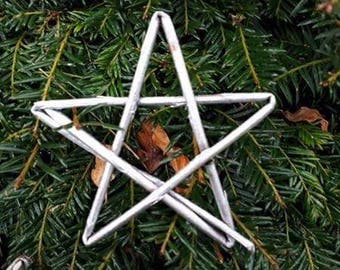 Willow star decorations