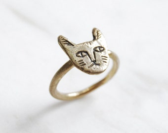 Golden cat face ring