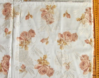 Coupon clothing, ivory and beige flowers on gray/blue background 0 60mx1, 47 m