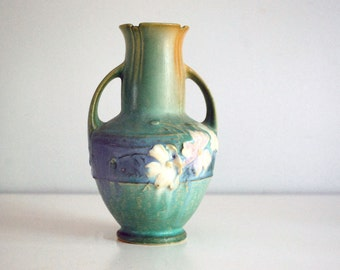 Roseville Cosmos Vase, 1940s Art Pottery Vase, Fine Art Ceramics, 946-6 Green Cosmos, White Flowers, Cottage Chic Decor, Wedding Gift