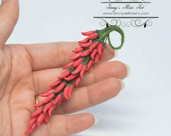 1:12 Dollhouse Miniature Red Chile Ristra/ Miniature Chile Peper/ BD P052