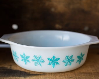 Vintage Pyrex 043 White with Turquoise Snowflake Pattern Casserole Dish