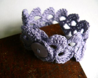 Wedding romantic bracelet, lavender blue linen bracelet, crochet bracelet, Birthday gift, lace trim bracelet, Shabby chic bracelet Wide Cuff