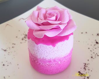 Realistic Cupcake with Rose,Fake Cupcake,Faux Cupcake for Kitchen Decor,Shower Favour,Display Dessert