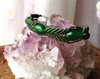 Jade stone macrame bracelet