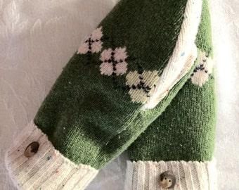 Green argyle mittens, sweater mittens, recycled sweater, wool sweater mittens, upcycled, Eco friendly, winter mittens, fleece lined