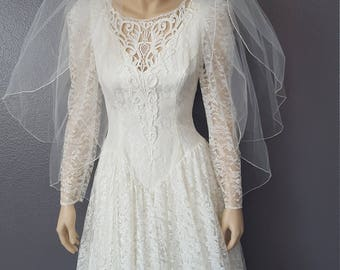 Ladies Vintage Bridal Gown