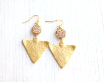 Champagne Druzy earrings Triangle Geometric Statement earrings  Gold Drusy VitrineDesigns Summer jewelry bold fashionista red carpet tv show