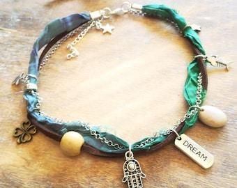 Dream Stars ankle bracelet. Hamsa Hand bracelet. Green Lucky clover anklet. Hamsa Hand jewelry Sari silk bohemian anklet, stars boho anklet
