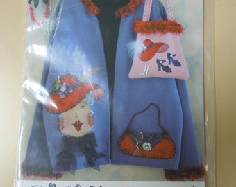 Kit:  Red Hat Society  Nellie in Red pattern and accessory kit  2004 complete   never used