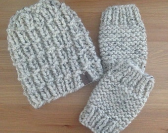 Chunky Knit Beanie Hat in Oatmeal with Matching Fingerless Gloves