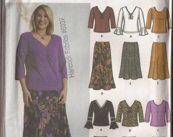 Simplicity 5469 Misses Blouse and Skirt in 6 Styles Pattern, Sizes FF (18W-20W-22W-24W) or GG (26W-28W-30W-32W). Circa 2003