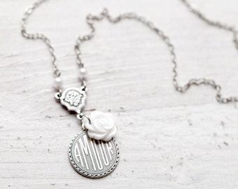 Dainty silver necklace Amour, Meaningful necklace, Amour necklace, Vintage style necklace, love gift for Girlfriend, Vintage necklace