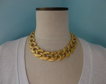 VINTAGE chunky GOLD tone link NECKLACE