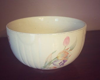 Vintage Hall Tulip Bowl / Vintage Kitchenware