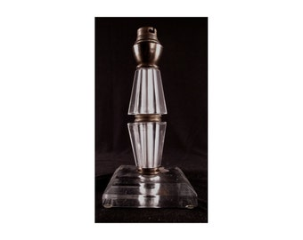 Elegant ART DECO cristal lamp base signed Cristal ANDELLE France, circa 1930