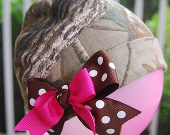 Camo Baby girl Hat handmade from Realtree   Hot Pink  Dots. Redneck baby shower.  camo going home outfit. camo Newborn hat
