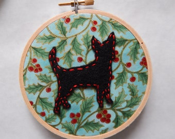"4"" Holiday Chihuahua Embroidery Hoop Ornament"